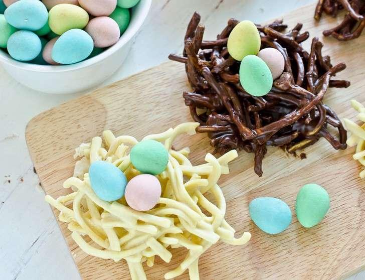 Nidi al cioccolato bianco e fondente