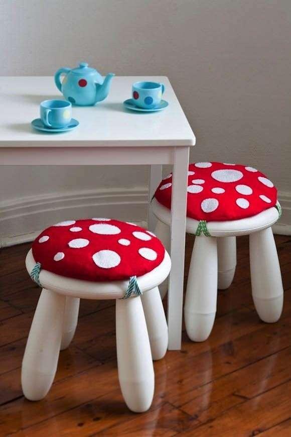 Sgabelli con cuscini a fungo