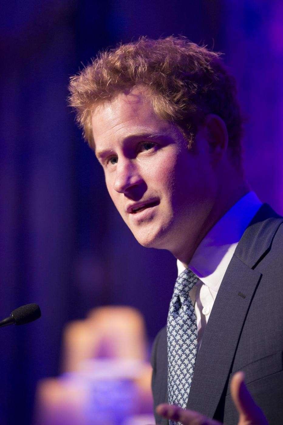 Il figlio di Carlo e Diana a una conferenza pubblica