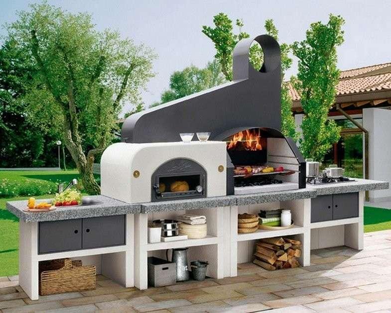 Un barbecue in muratura completo