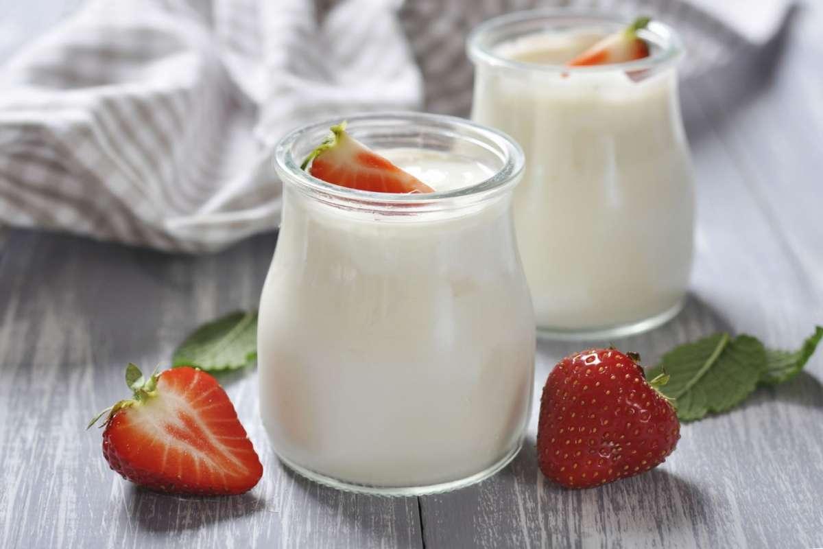 Yogurt con frutta a pezzi