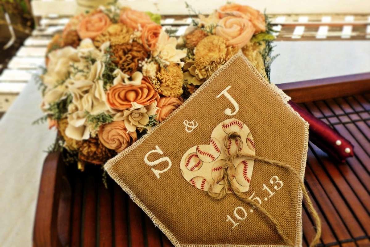 Composizione floreale con colori d'autunno