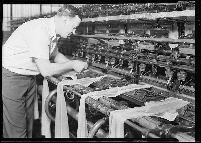 La produzione dei collant negli anni '30