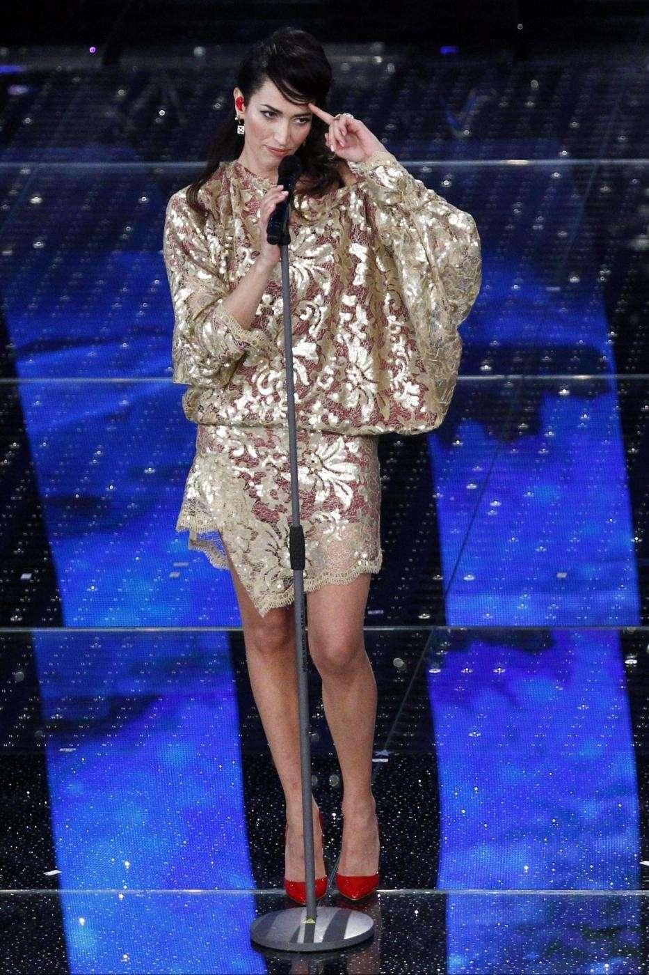 Nina con minidress oro