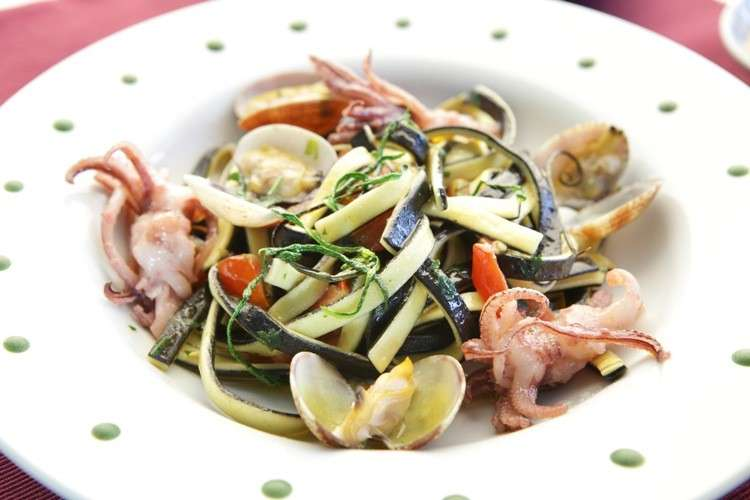 Scialatielli zucchine, calamaretti e vongole