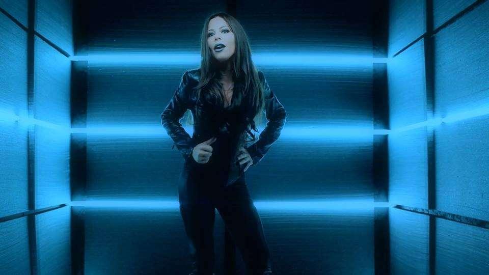 La cantante e attrice nel video clip