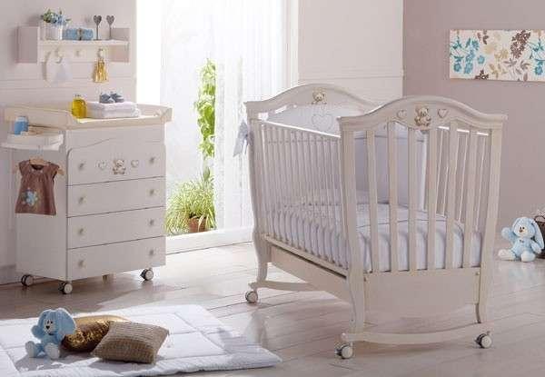 Cameretta da neonato bianca