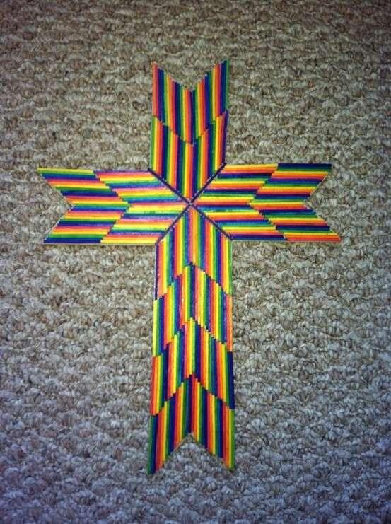 Croce con stuzzicadenti