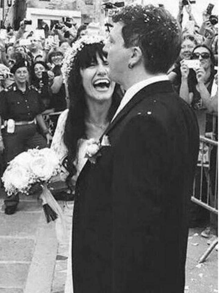 Gli sposi felici dopo il matrimonio