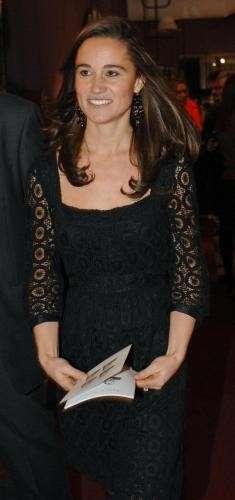 La sorella di Kate in total black
