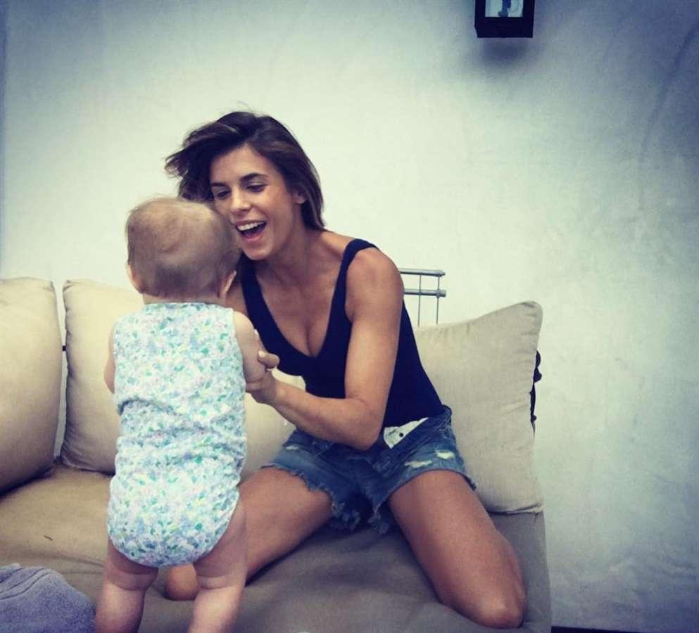 Elisabetta raggiante con la figlia