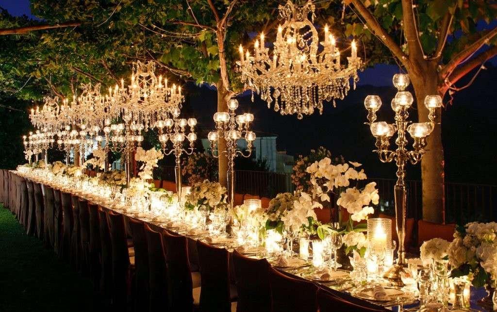 Illuminazioni per un matrimonio di sera