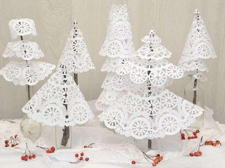 Alberi di Natale in carta decorata