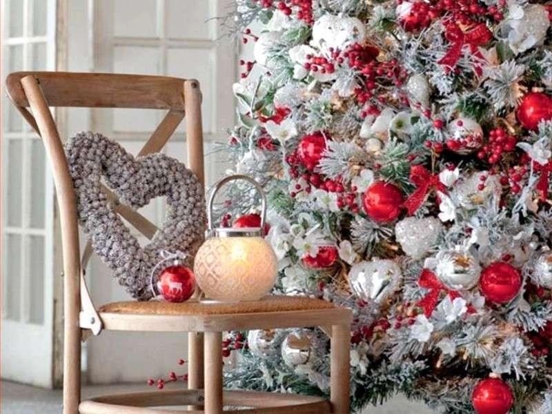 Lanterna e albero di Natale