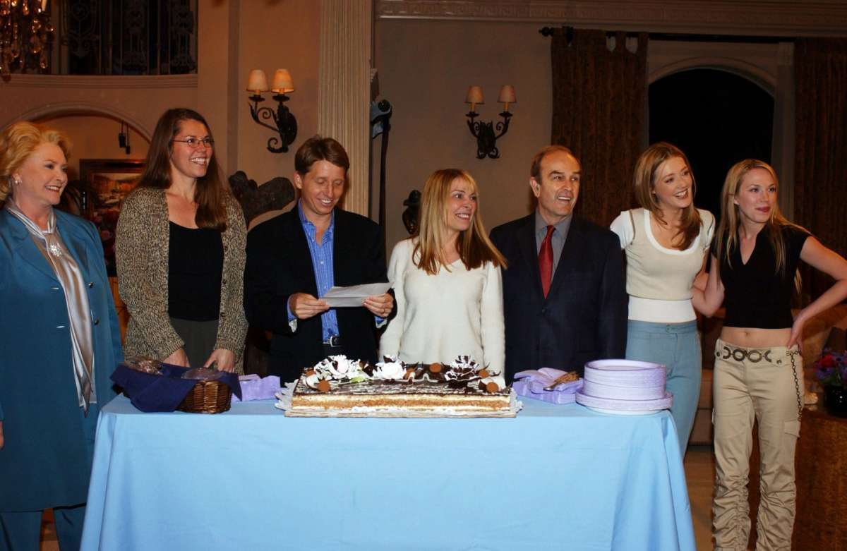 I produttori di Beautiful con alcuni protagonisti della soap opera
