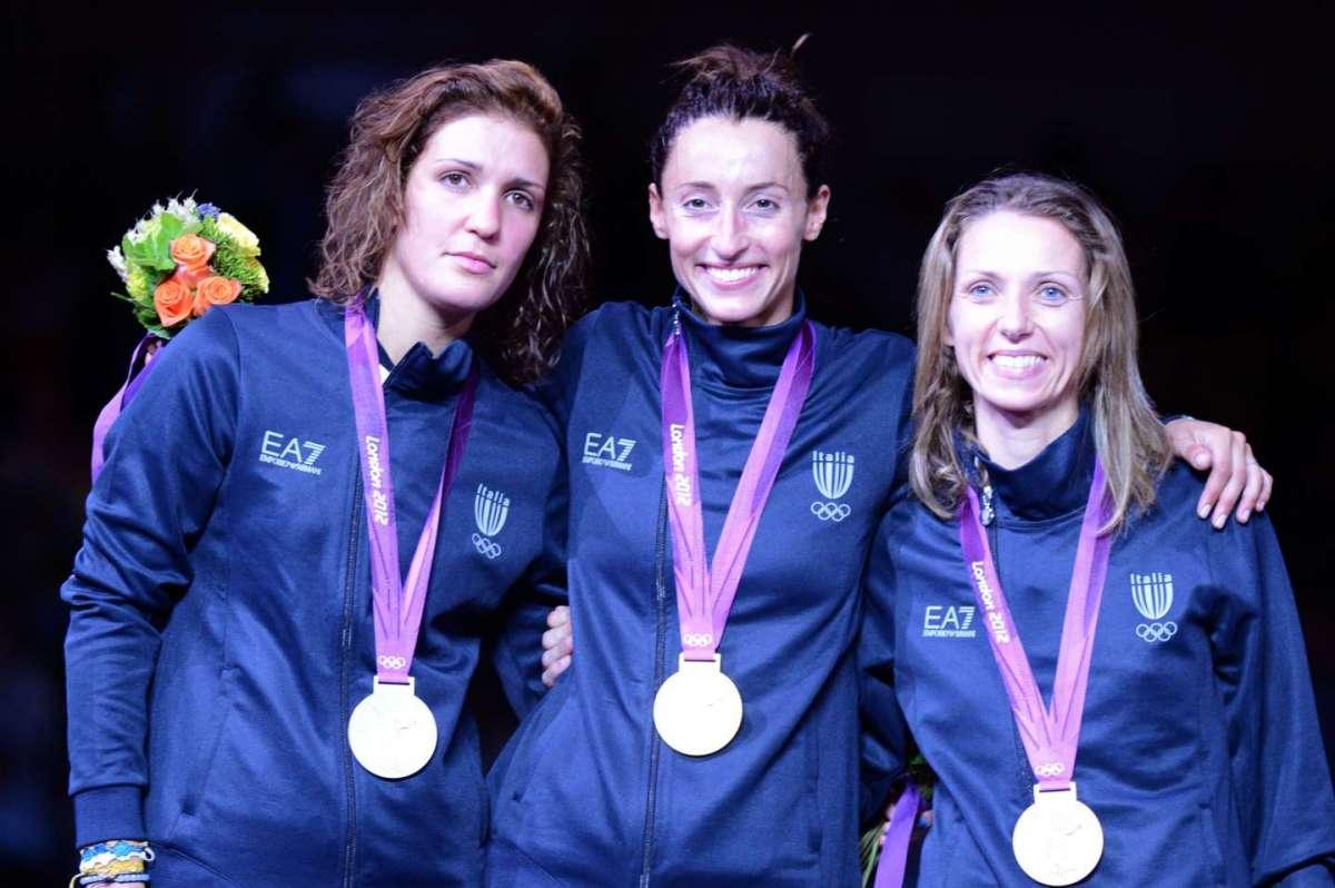 Arianna Errigo, Elisa Di Francisca e Valentina Vezzali sul podio alle Olimpiadi di Londra 2012