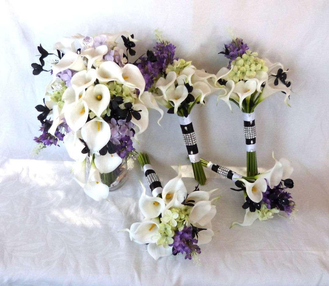 Bouquet da sposa bianchi e viola