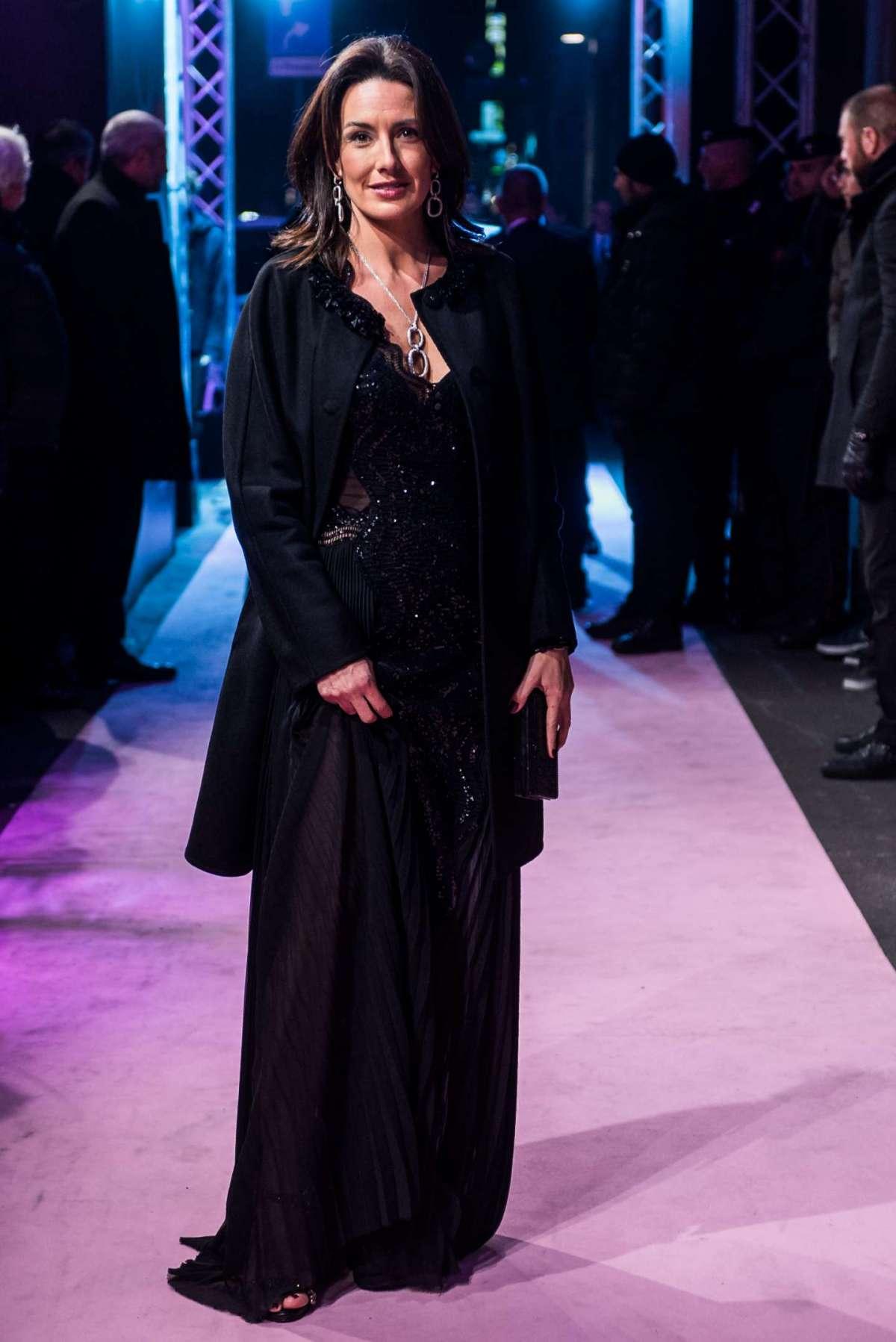 Elisabetta Muscarello in total black a un evento di moda e calcio a Milano