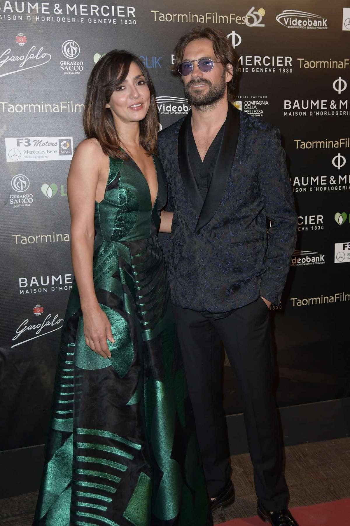 Lorenzo Quaglia e Ambra Angiolini elegantissimi e felici