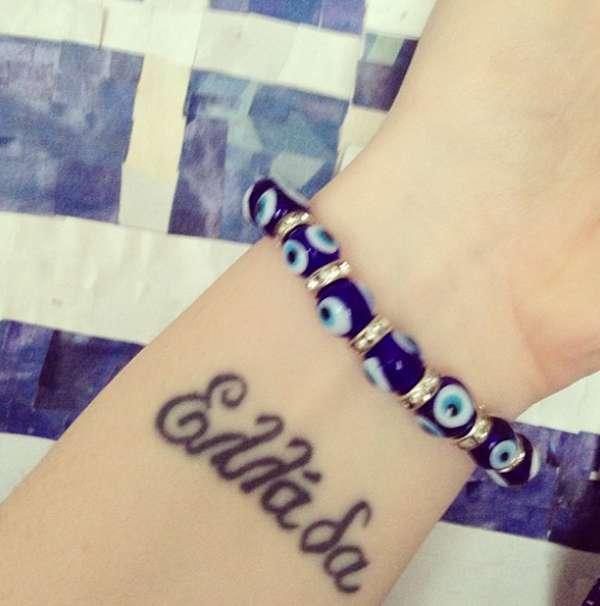 Tatuaggio con la parola Grecia