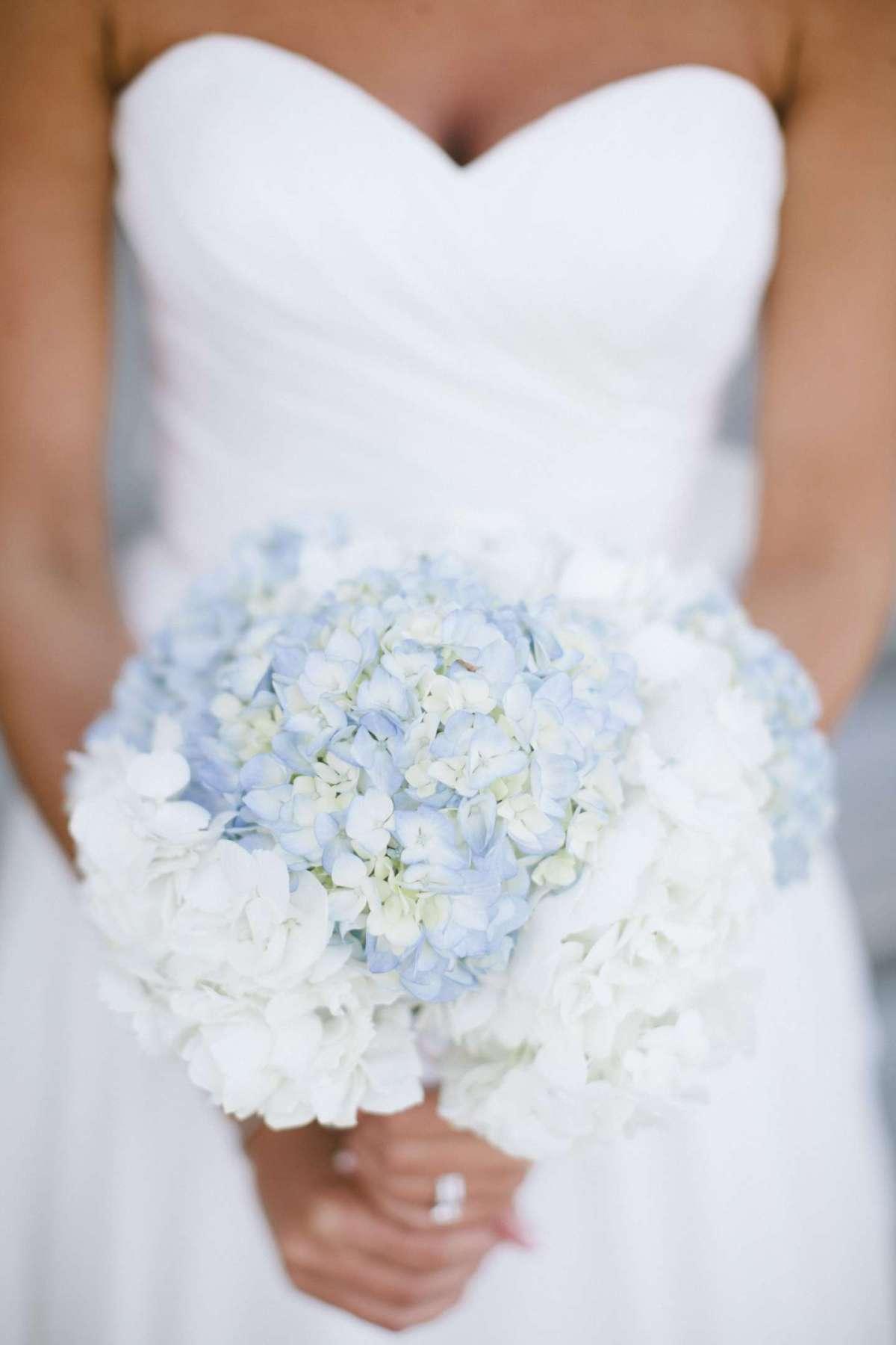 Bouquet da sposa azzurro chiaro