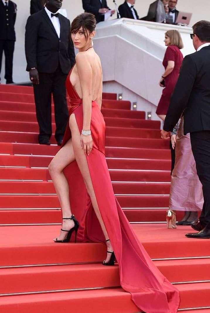 Bella Hadid con abito rosso
