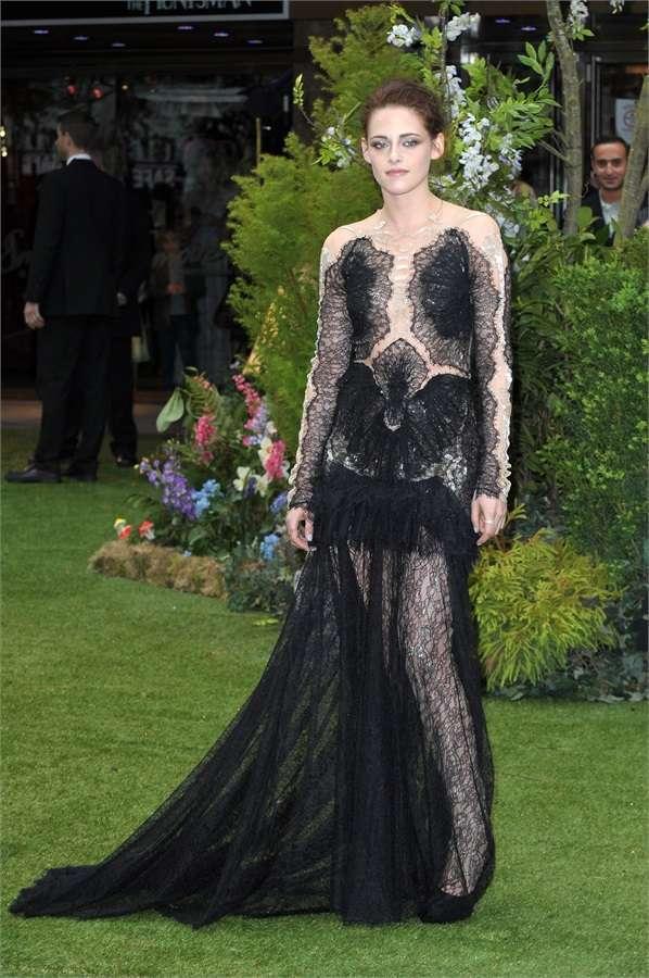 Kristen Stewart con abito in pizzo nero
