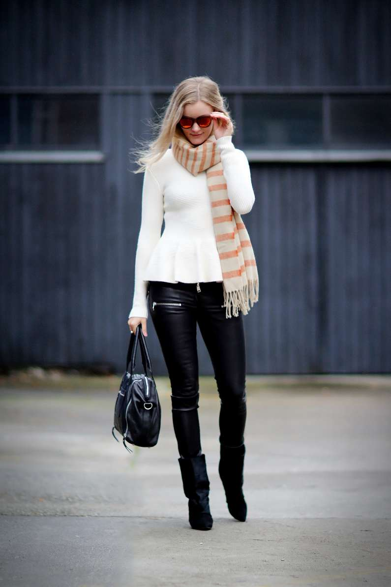 Stivali e pantaloni di pelle