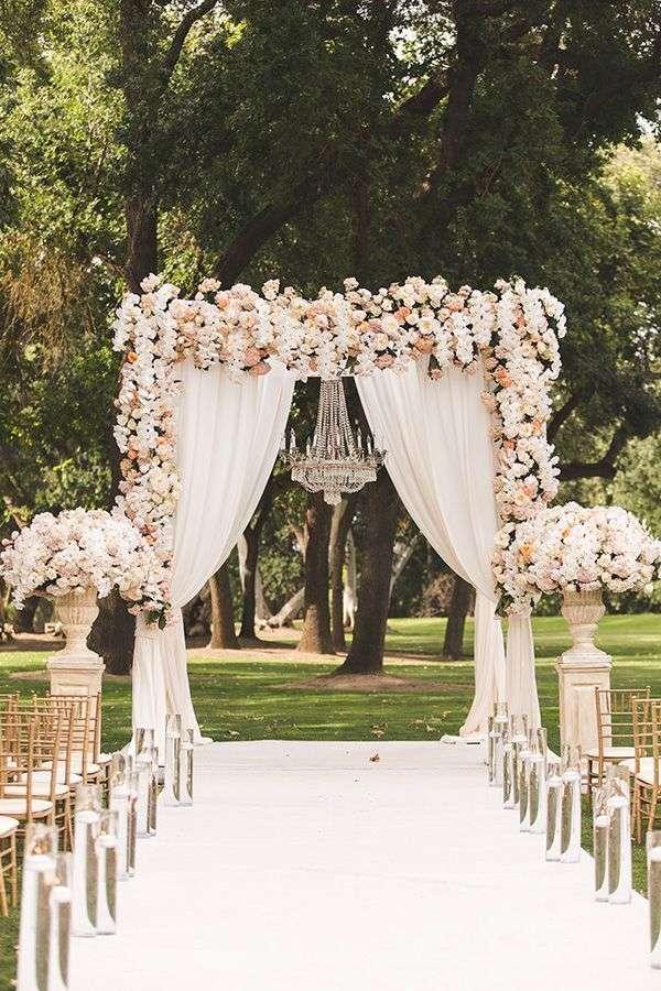 Altare con fiori