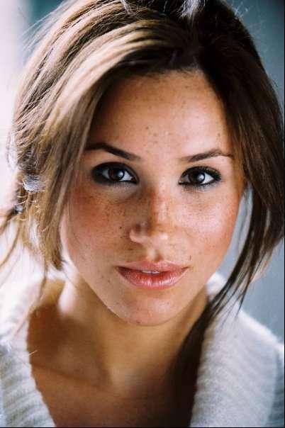 Il viso di Meghan Markle