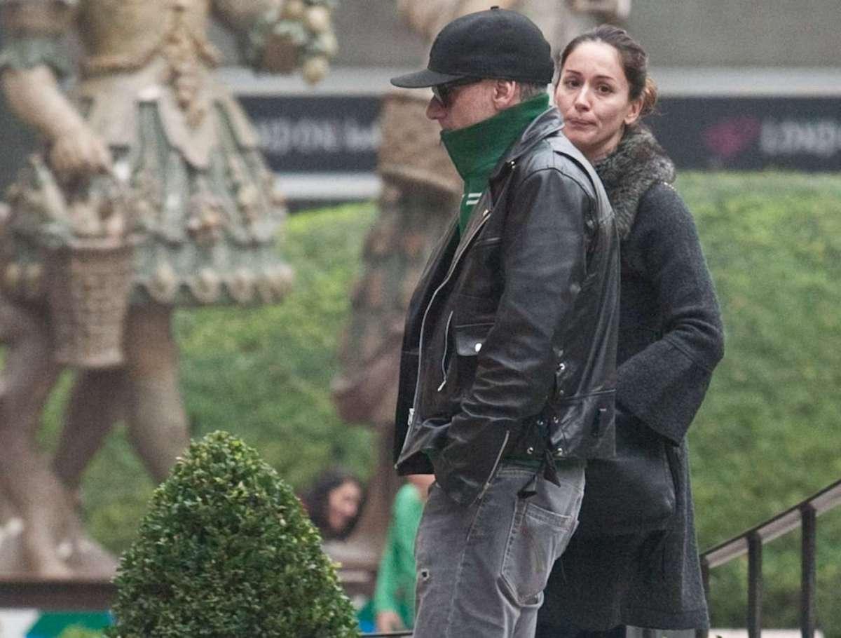 J-Ax con la moglie Elaina Coker