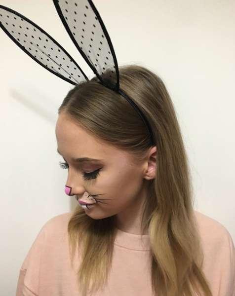 Baffetti da coniglietta e naso rosa per Carnevale