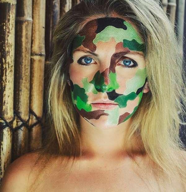 Camouflage militare per tutto il viso