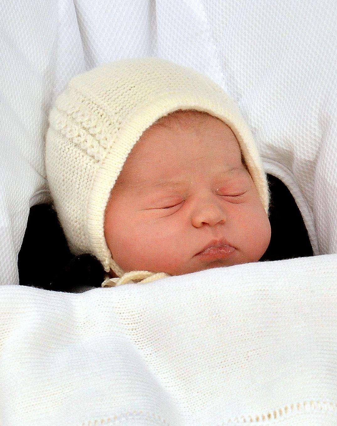 Kate scatta le prime foto a Charlotte i primi giorni di vita