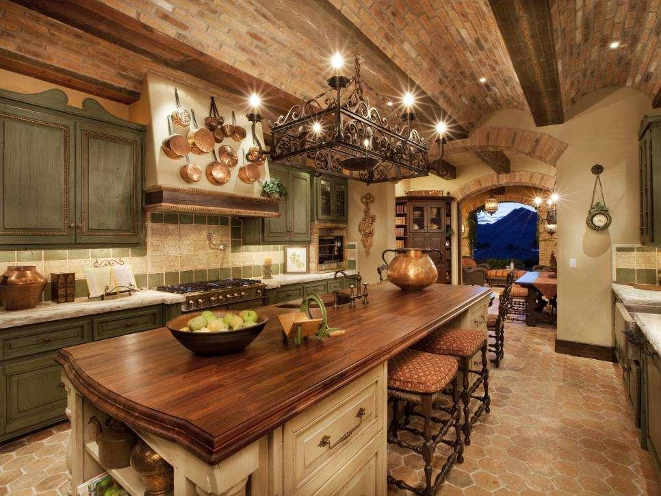 Arredare la casa in stile toscano