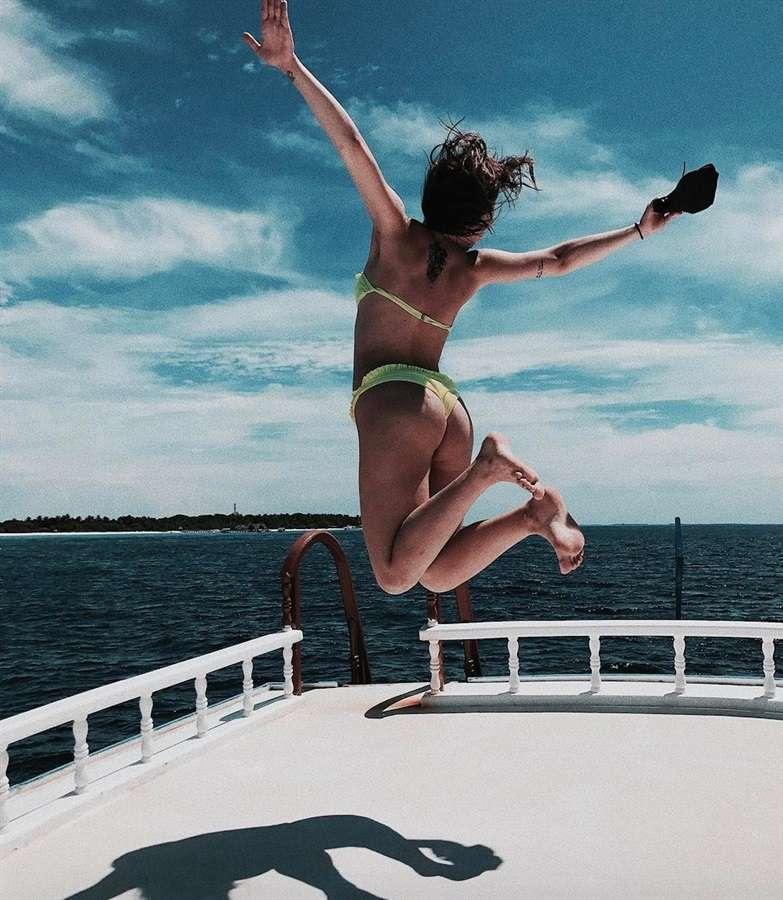 Aurora Ramazzotti in vacanza alle Maldive