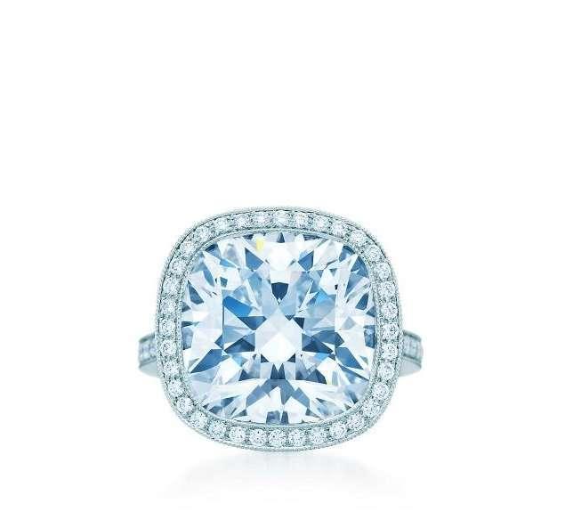 Anello con diamante Tiffany