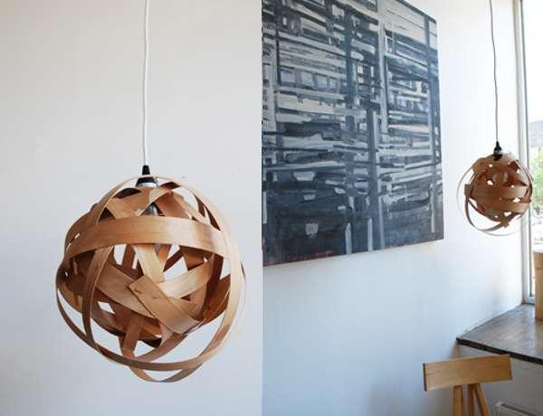 Lampadario in legno da riciclo