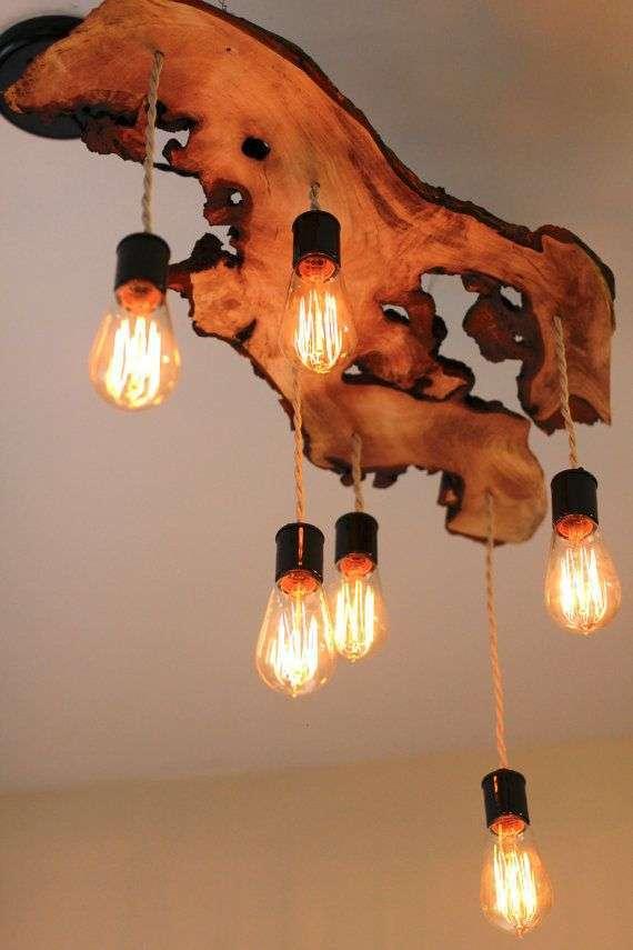 Lampadario in legno riciclato