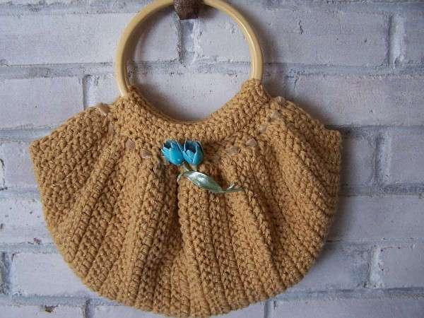 Borsa a crochet color sabbia