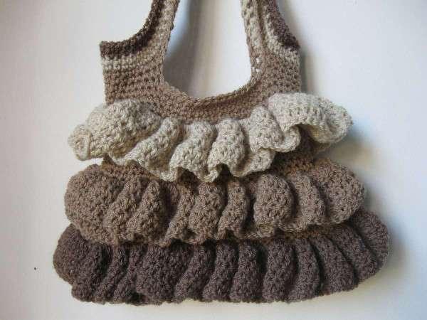 Borsa a crochet con rouches