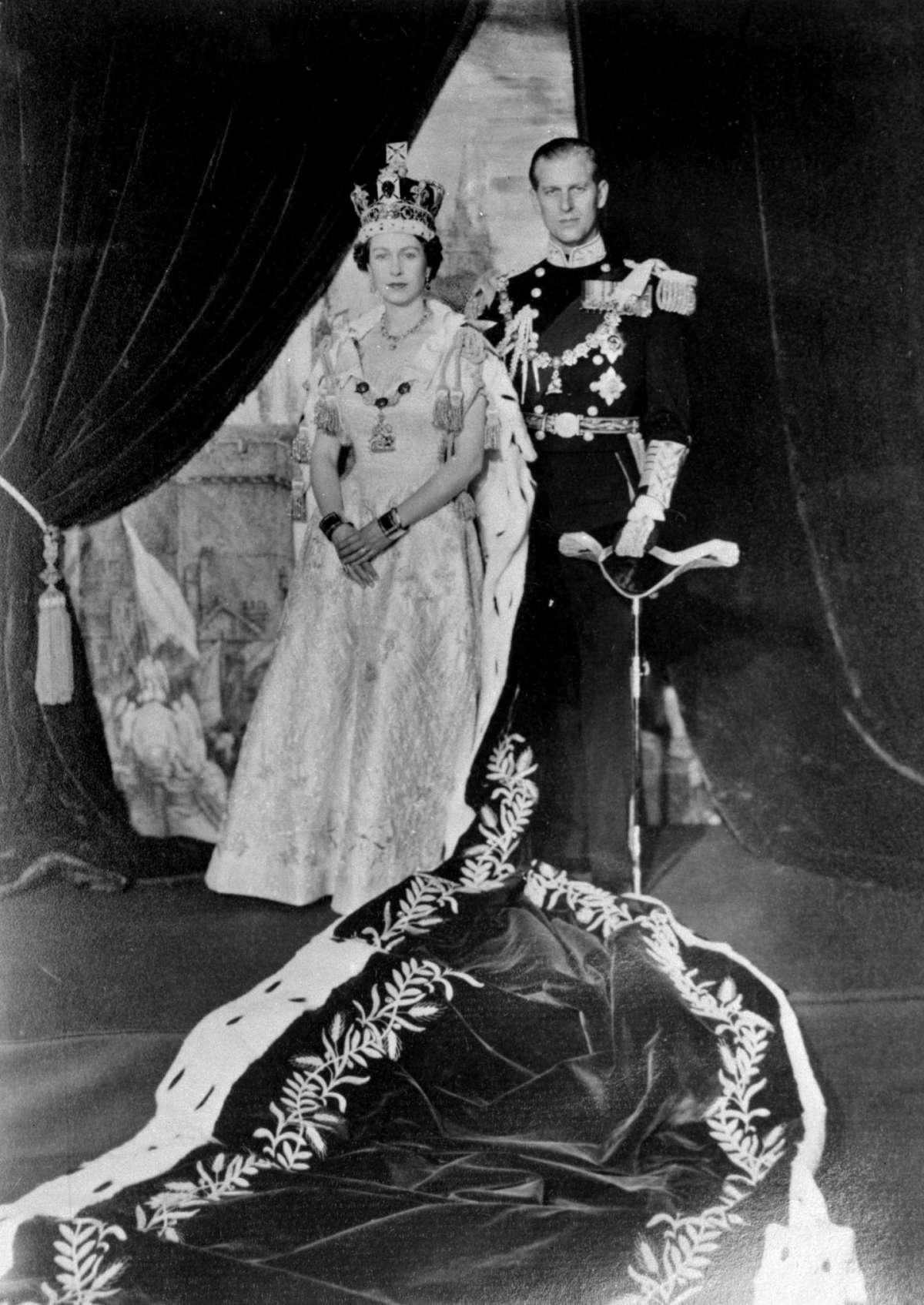 L'inizio del regno di Elisabetta II