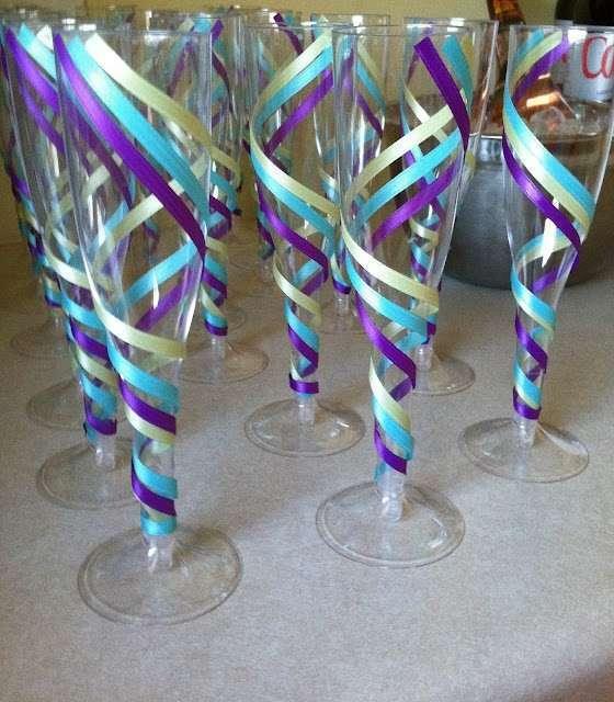 Bicchieri di plastica colorati