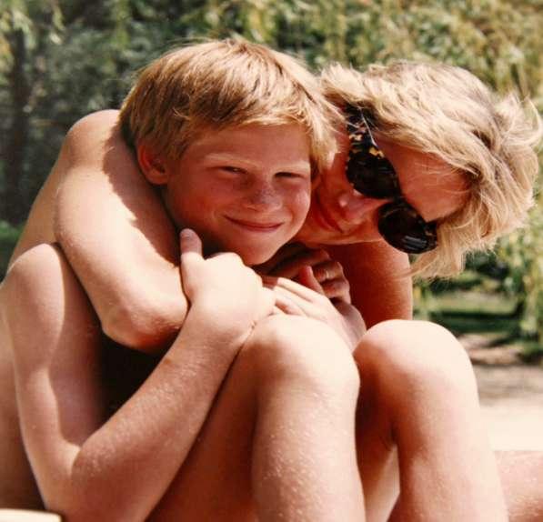 Lady Diana con il figlio Harry