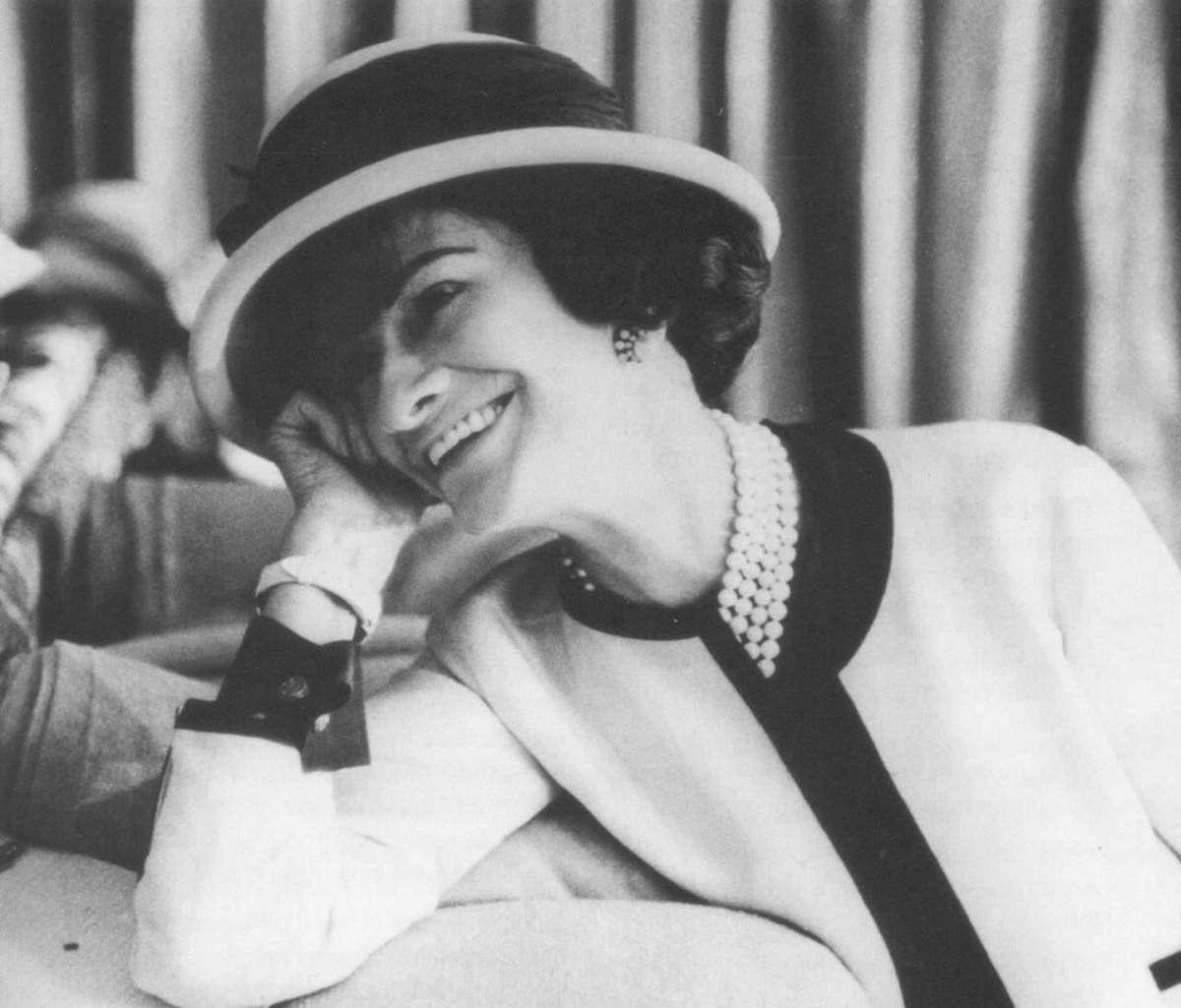 La stilista Coco Chanel