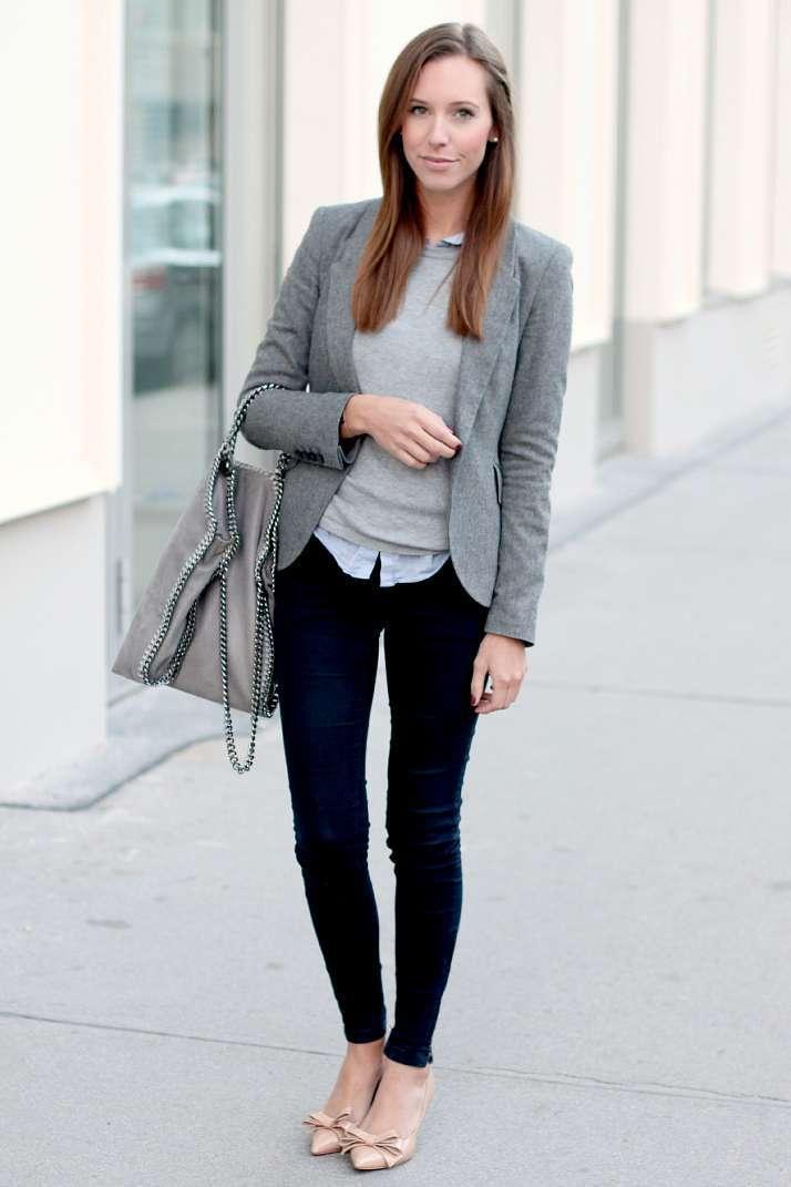 Look con blazer e scarpe eleganti