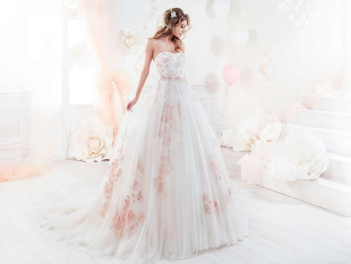 Abito da sposa a fiori rosa Colet