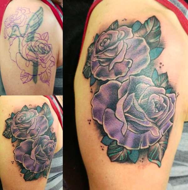 Cover up per tatuaggio stilizzato sul braccio