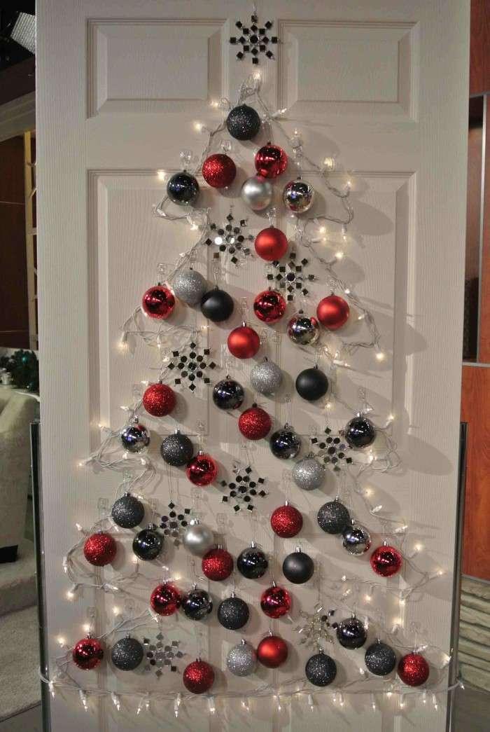 Albero di Natale sulla porta