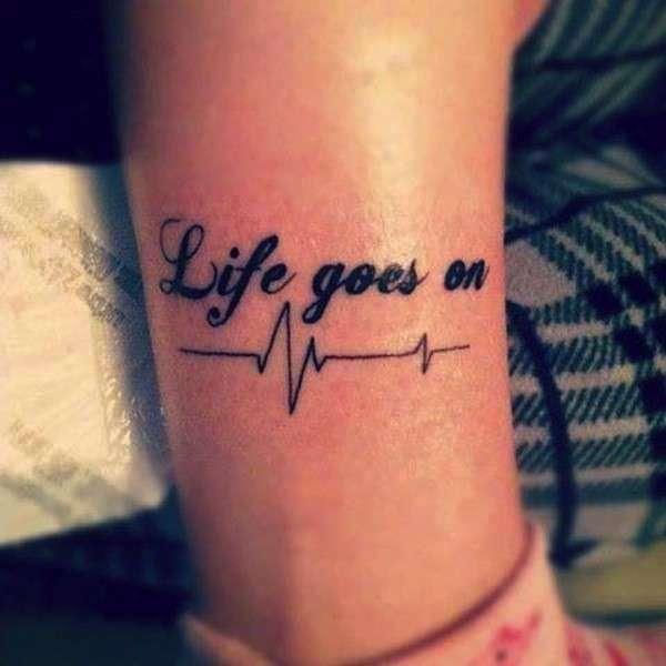 Frase sulla vita per tatuaggio